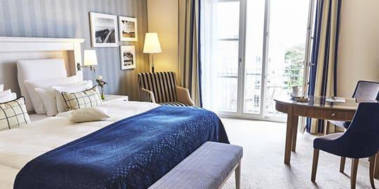 Luxuriös eingerichtetes Hotelzimmer