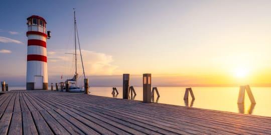 Sonnenuntergang am Leuchtturm vom Neusiedler See