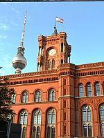 Rathaus mit Fernsehturm